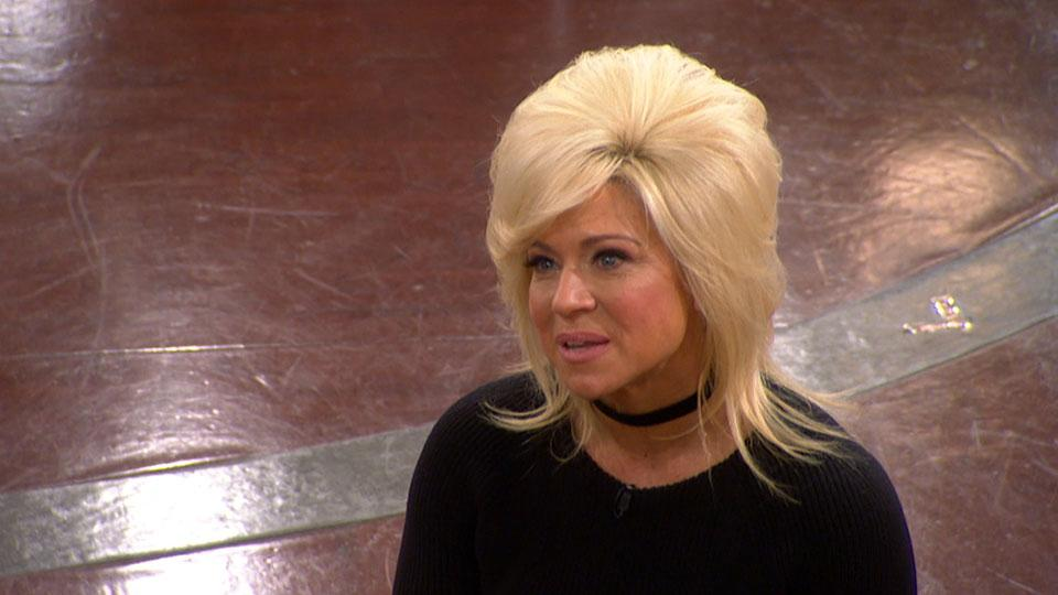 The Long Island Medium Gives an Audience Reading